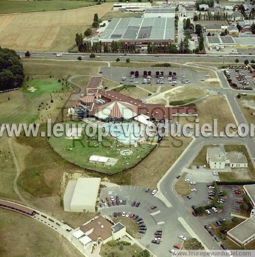 Photos a riennes de quetigny 21800 le parc de loisirs for Piscine quetigny