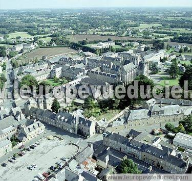 Photo aérienne de Bégard