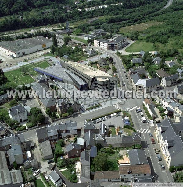 Photos a riennes de lillebonne 76170 l 39 h tel de ville for Piscine de lillebonne