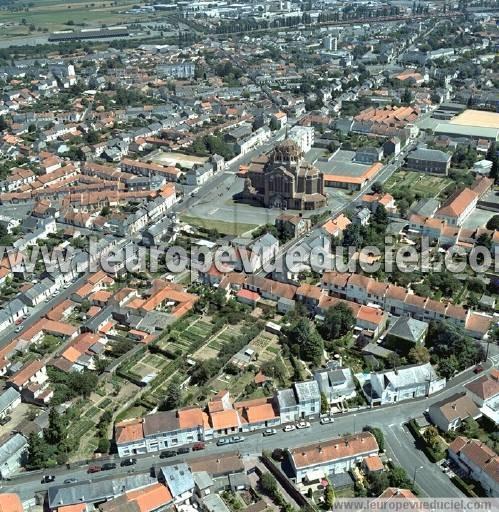 L 39 europe vue du ciel photos a riennes de cholet 49300 maine et loire pays de la loire - Office du tourisme de cholet ...