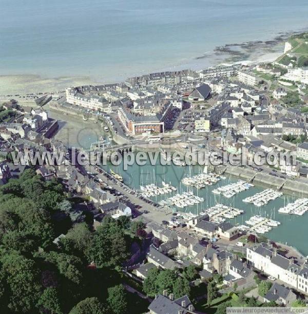 L 39 europe vue du ciel photos a riennes de saint valery en - Saint valery en caux restaurant du port ...