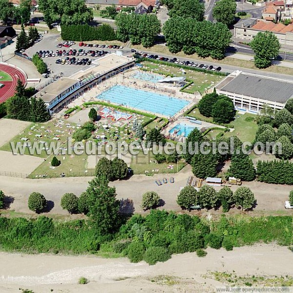 Photos a riennes de moulins 03000 la piscine allier for Piscine moulins