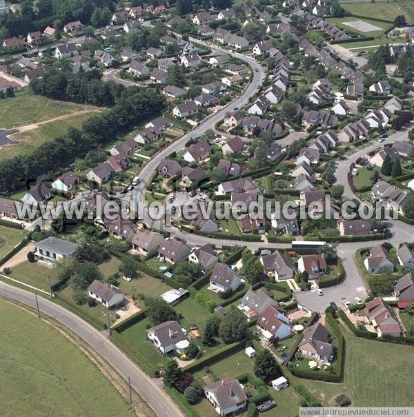 l 39 europe vue du ciel photos a riennes de angerville la campagne 27930 eure haute. Black Bedroom Furniture Sets. Home Design Ideas