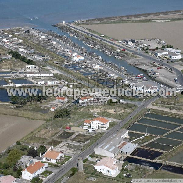 Photos a riennes de beauvoir sur mer 85230 le port for Piscine beauvoir sur mer