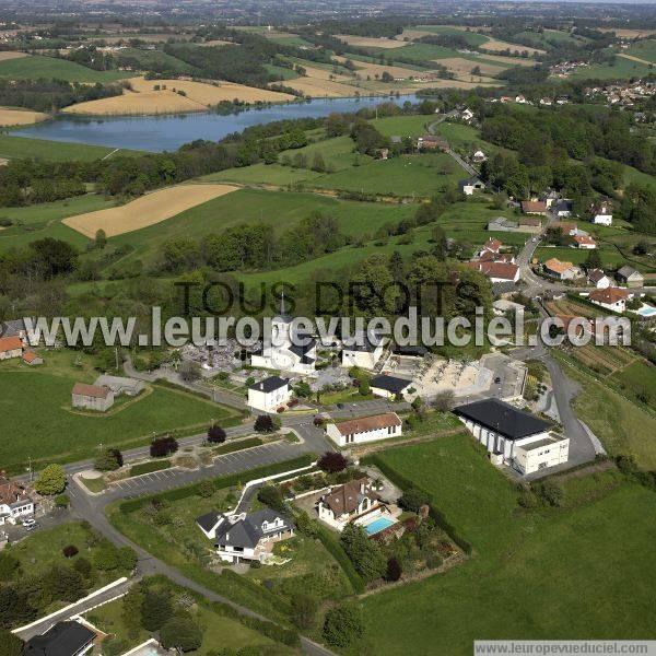 L 39 europe vue du ciel photos a riennes de serres castet for Piscine serres castet