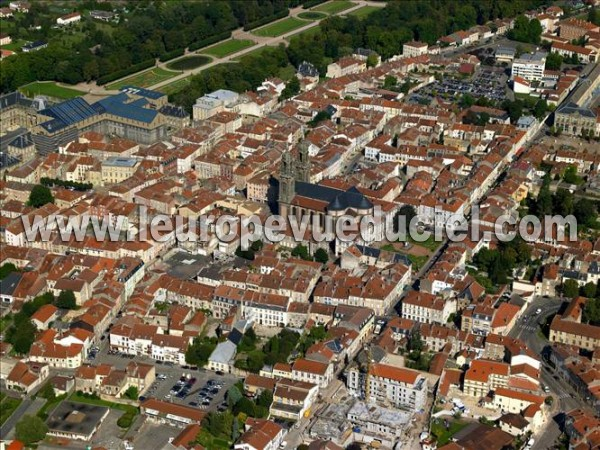 L 39 europe vue du ciel photos a riennes de lun ville for Piscine de luneville