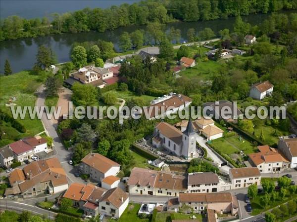 L 39 europe vue du ciel photos a riennes de m r ville for Piscine mereville
