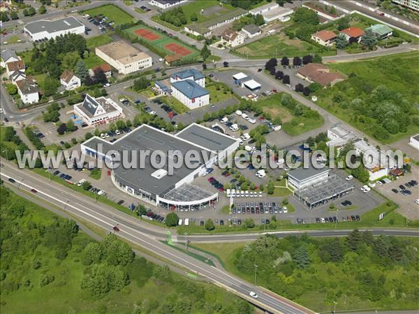 Photos a riennes de garage l 39 europe vue du ciel for Garage peugeot yutz