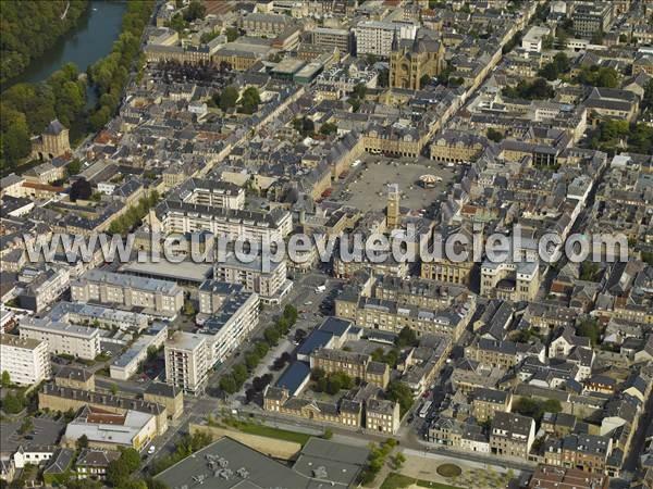 L 39 europe vue du ciel photos a riennes de charleville for Piscine 08000