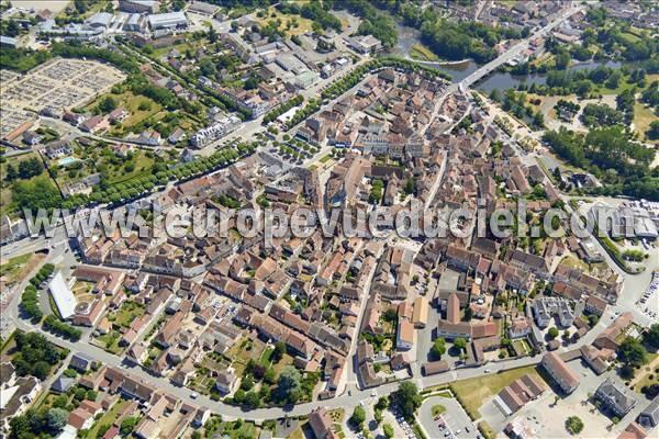 L 39 europe vue du ciel photos a riennes de saint pour ain for Piscine st pourcain sur sioule